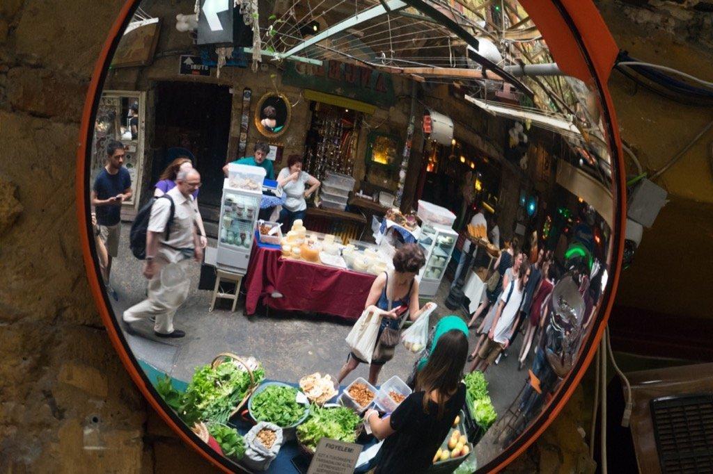 Szimpla Kert Markt am Sonntag