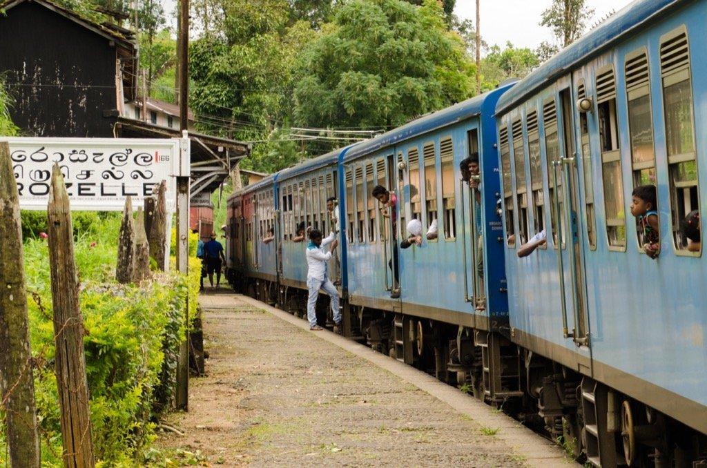 Tamron 16-300 Beispielfoto - Zugfahrt Sri Lanka