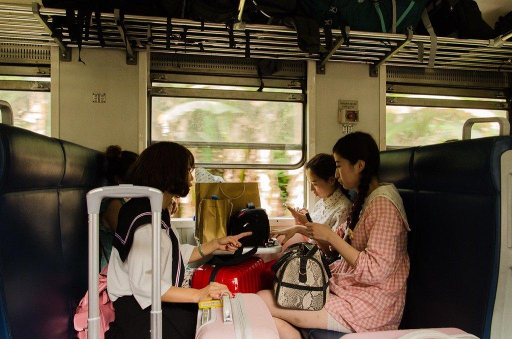 Reisende Zugfahrt Kandy Ella